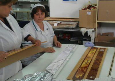Традиционна ръчна изроботка на 1 METER CHOCOLATE